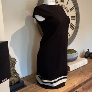 s' maxmara m zip up back black cap sleeve dress